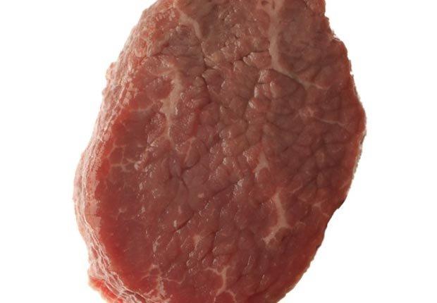 5 Gran alimentos que ayudan estimulación inmunológica - carne cruda