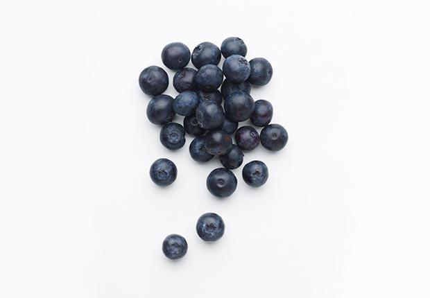 Arándanosn azules - alimentos que ayudan a combatir el cáncer.