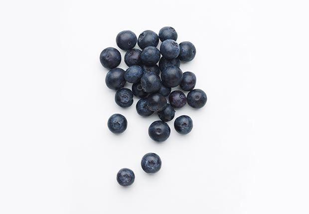 Blueberries and other foods that help fight cancer