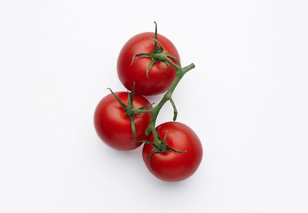 Tomates - alimentos que ayudan a combatir el cáncer.