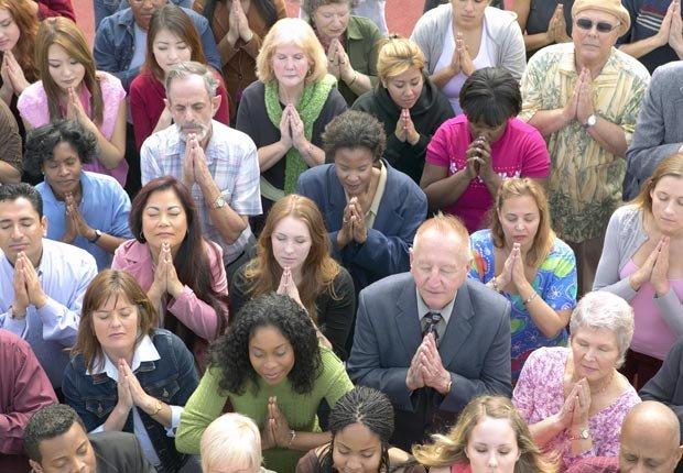 Crowd of people praying, Meet, Pray, Love