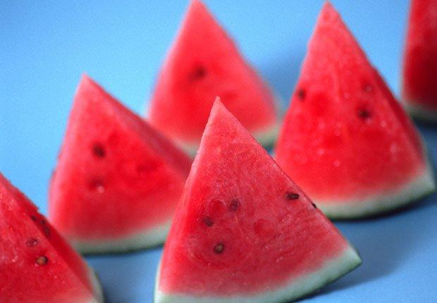Rebanadas de melón, sandía - Consejos para verse y sentirse bien este verano