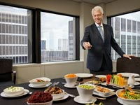 Bil Clinton shows off a healthy lunch.