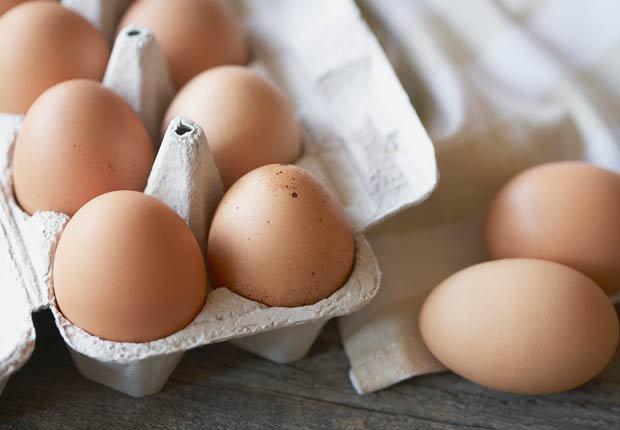Huevos. 10 alimentos que pueden agravar la artritis.