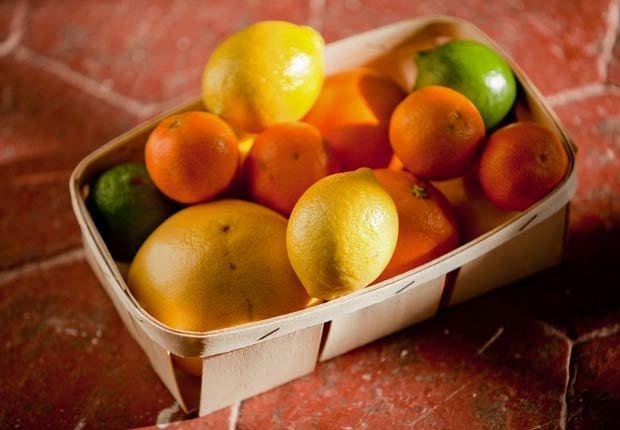 Cítricos - 10 alimentos que pueden agravar la artritis.