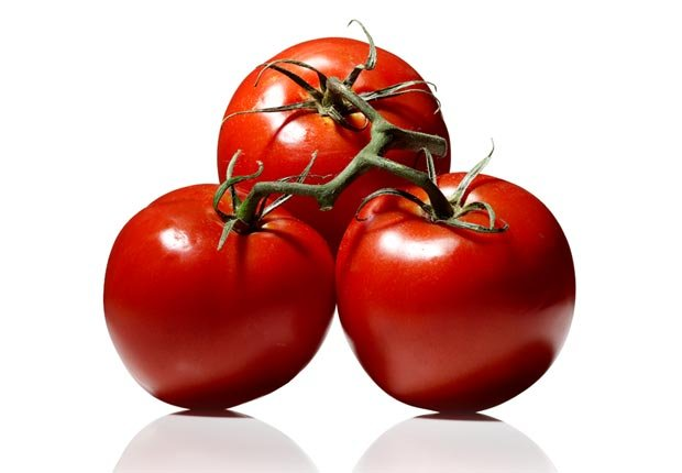 Tomatoes, Super Foods to Fight Flu (Sam Kaplan; Stylist: Matt Vohr for Halley Resources)