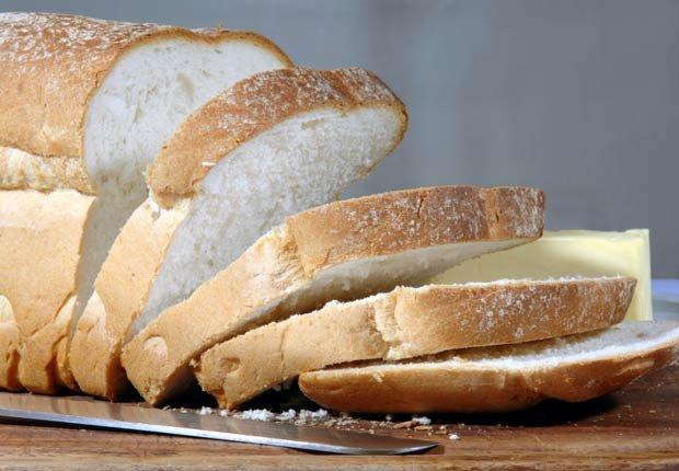 Pan blanco, 10 alimentos que te hacen ver más viejo