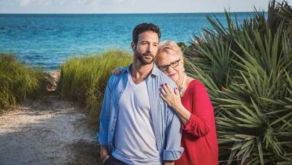 Eva Leivas y Paolo Andino - los derechos gay