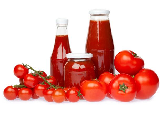 Use salsa de tomate orgánica cuando cocine su hamburguesa a la parrilla. Investigadores del Departamento de Agricultura compararón los niveles de licopeno en 13 marcas del condimento y se encontró que las marcas orgánicas contienen hasta tres veces la cantidad de las sustancias fitoquímicas que combaten el cáncer contra las marcas no orgánicos - probablemente porque están hechos con los tomates más maduros oscuros - Medidas saludables en 60 segundos