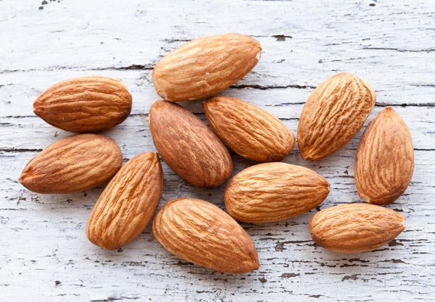 Almendras - Alimentos para una piel más joven y saludable.