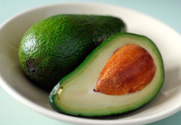 Avocados - Alimentos para una piel más joven y saludable.