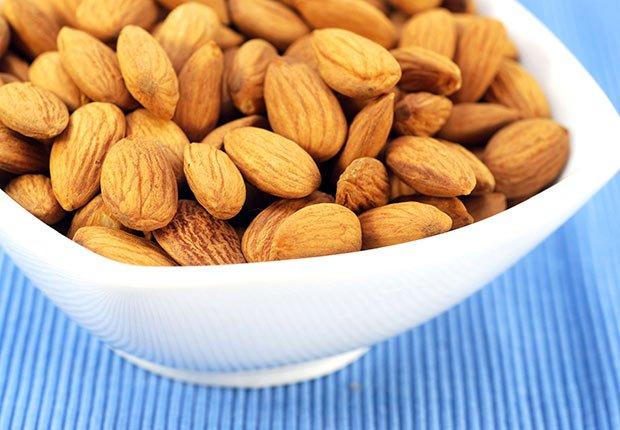 Lower dementia risk nutrition almonds nuts