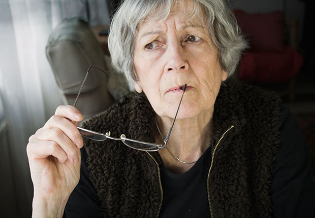 Lower dementia risk nutrition woman