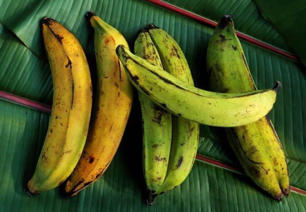 Plátanos - 10 Alimentos latinos que ayudan a reducir el colesterol