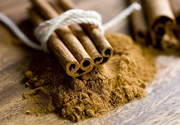 Canela en rajas y molida - Hierbas y especias podrían equilibrar las hormonas