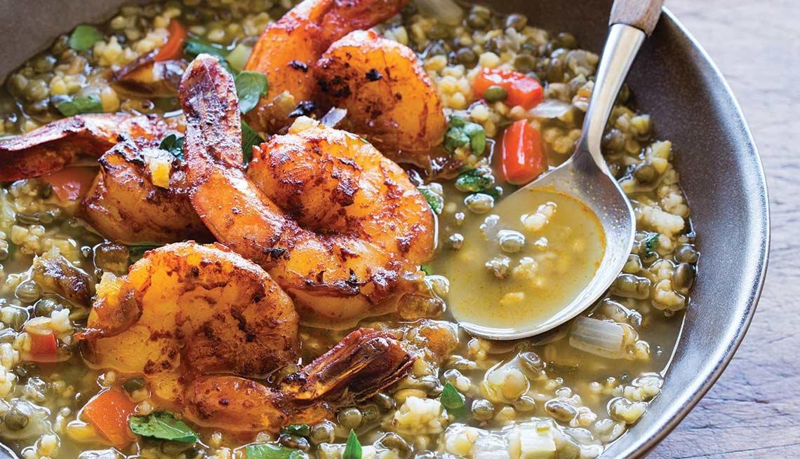 Sopa de freekeh con camarones y dátiles en harissa picante - Recetas para adelgazar