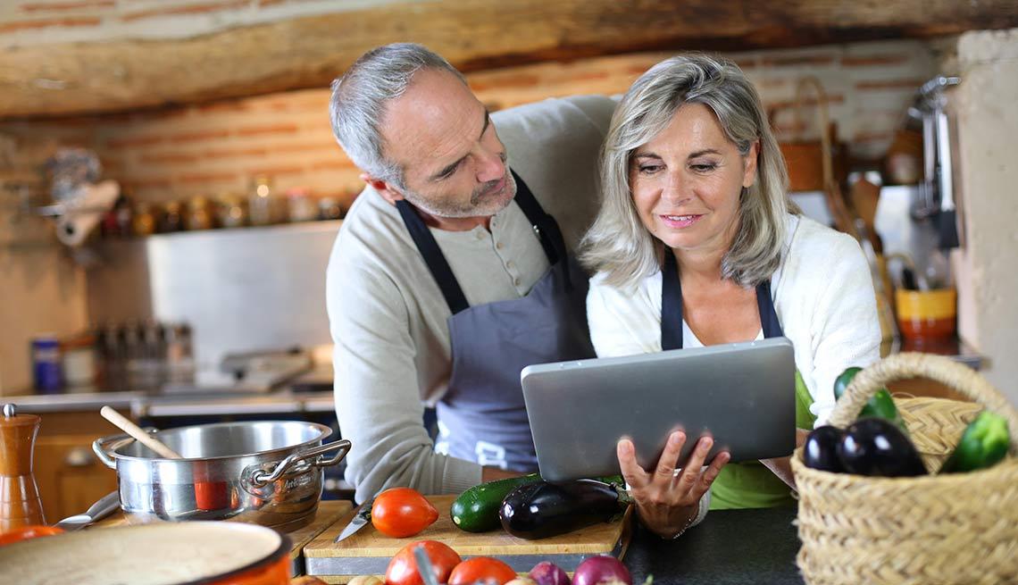 Eat Clean Get Lean Couple Cooking Kitchen
