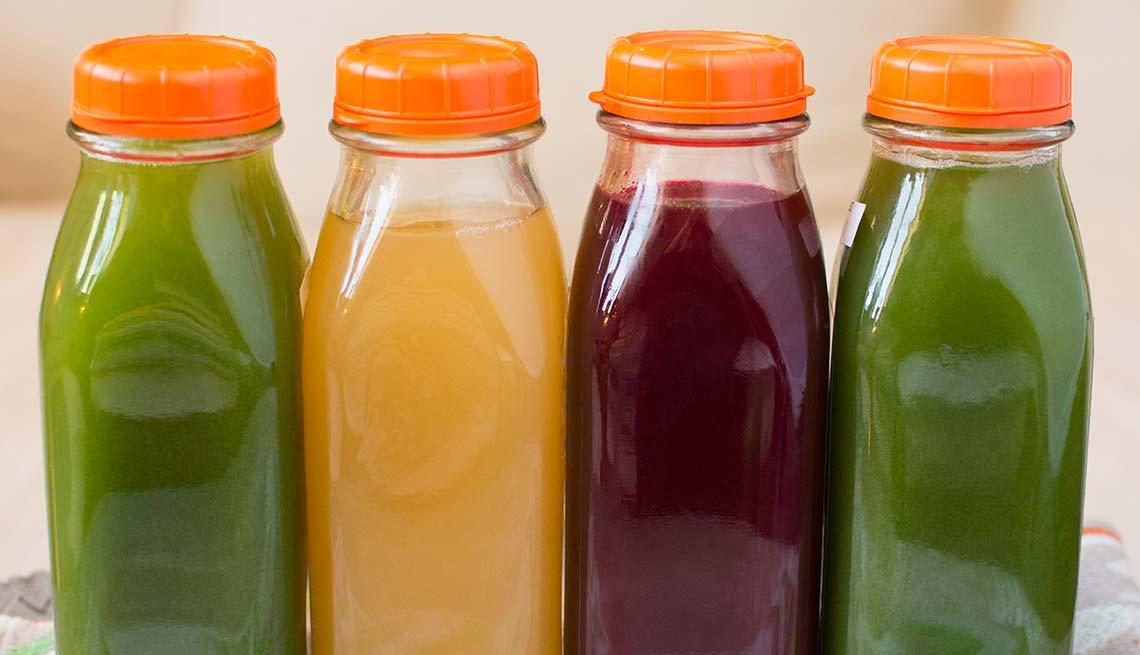 Botellas de jugo - Dietas para adelgazar poco saludables