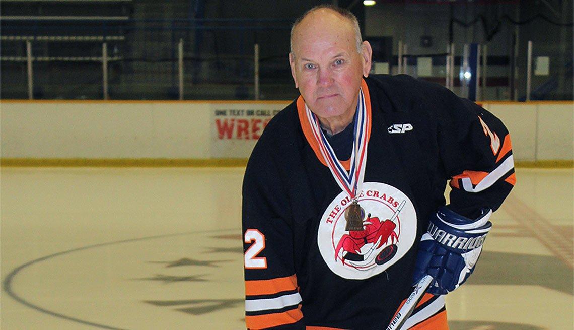 Ben Shaw, jugando hockey sobre hielo