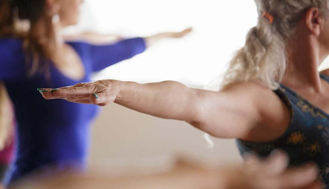 Mujeres en una clase de gimnasia - Poca tolerancia al ejercicio - Síntomas de la falta de carbohidratos en la dieta