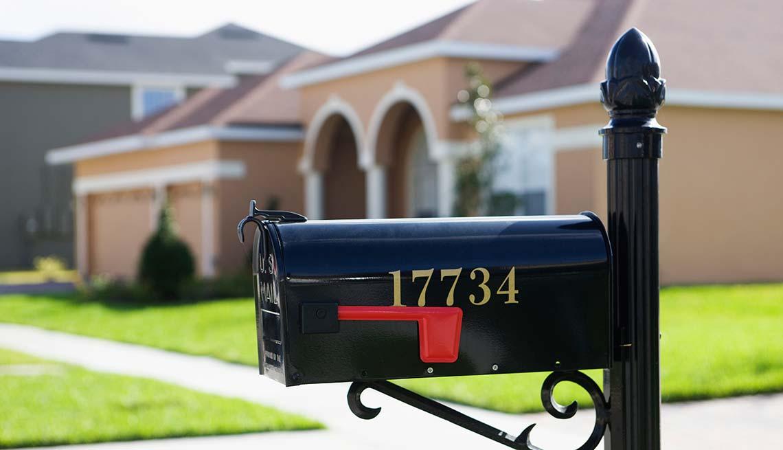 A mailbox outside a suburban home, Cheap Creative Workout, Home Exercise