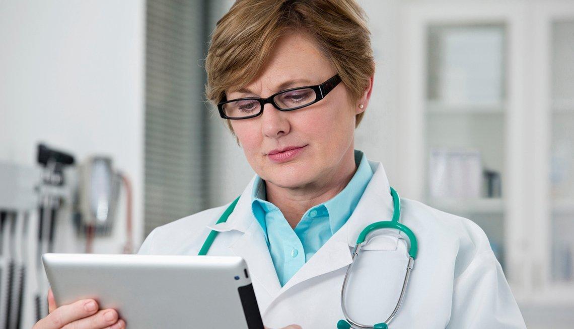 doctor using the ipad