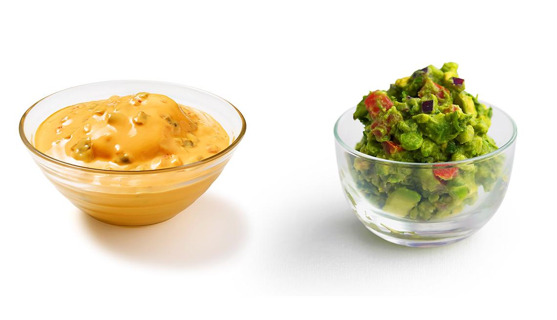 Dip de queso derretido versus guacamole