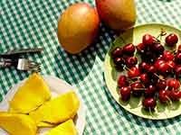 Jugos naturales: combinaciones de frutas y vegetales - Cerezas y mango
