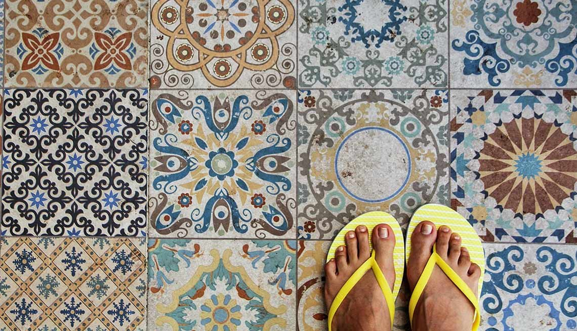How to Take Care of Your Feet Naturally