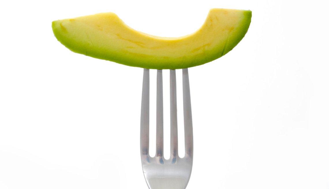 Aguacate en un tenedor