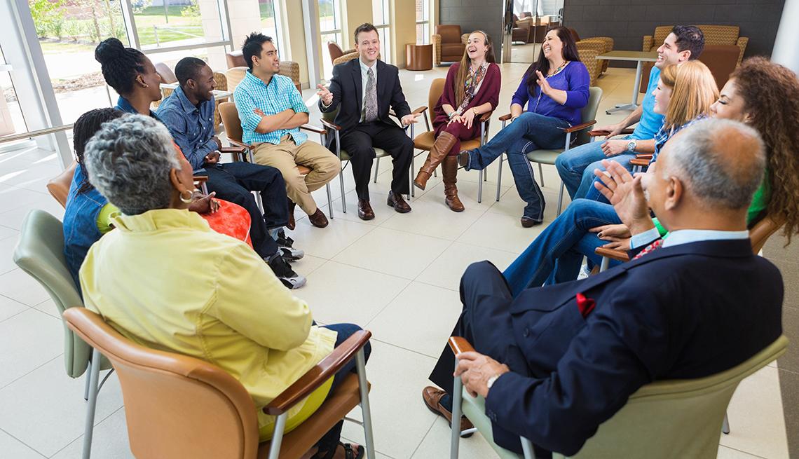 Grupo de apoyo sentados en círculo