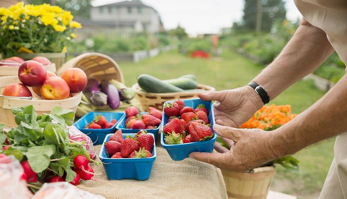 Productos agrícolas sobre una mesa