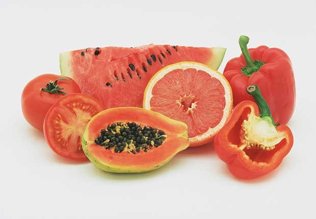 Sandía, tomates, toronja, papaya y pimiento rojo