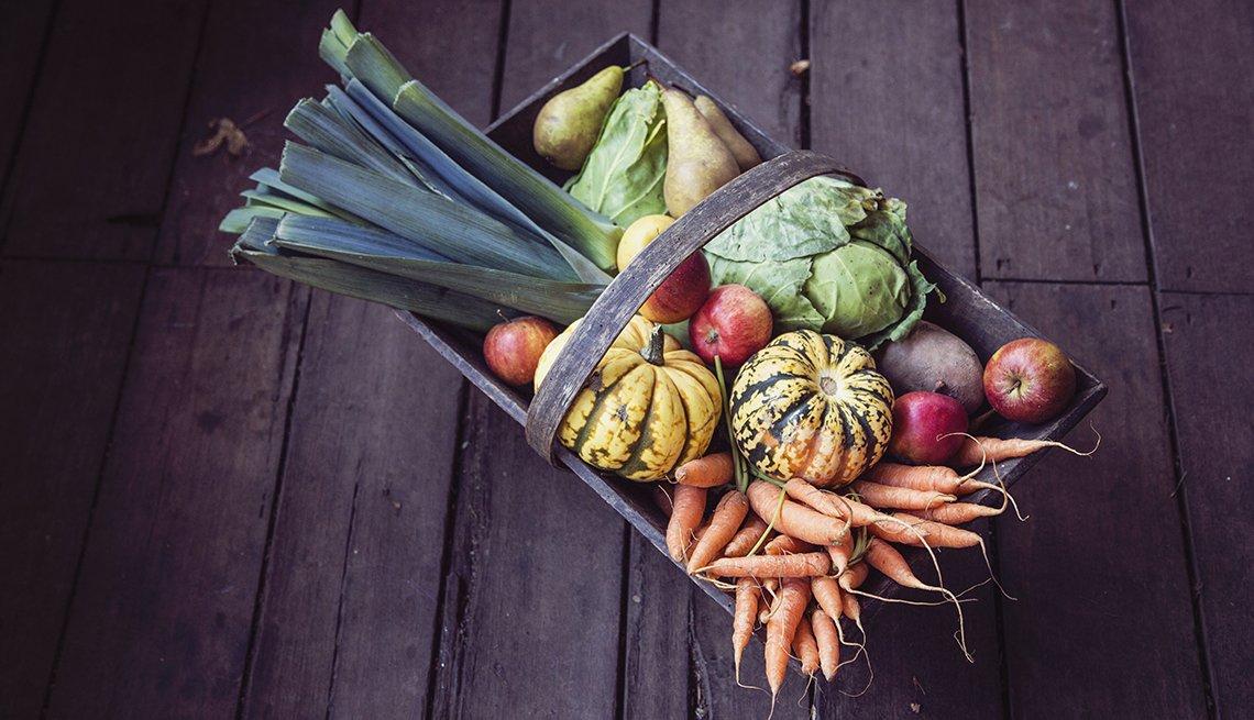 Canasta de frutas y vegetales