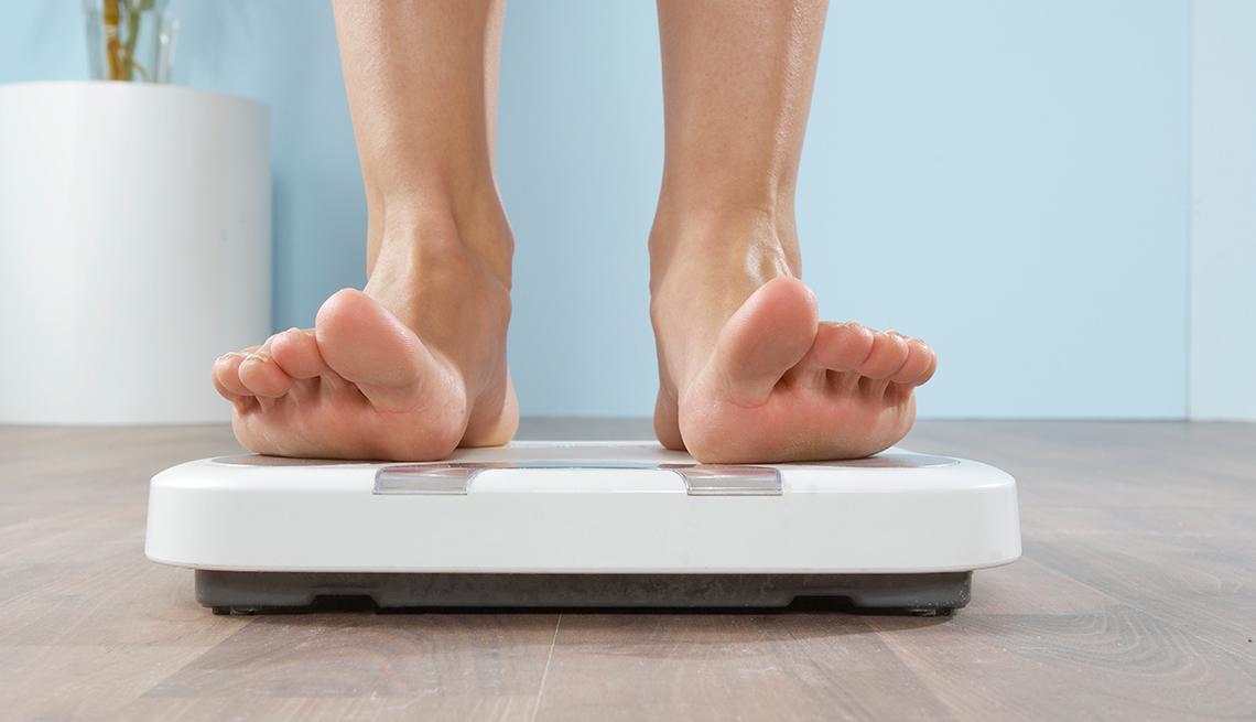 Feet on scales, lower body fat, Mini-workouts work
