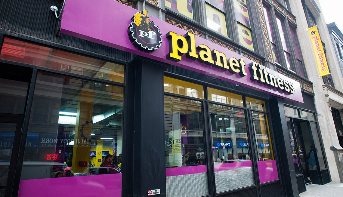Planet fitness gym storefront, Healthy Holiday Gift Guide