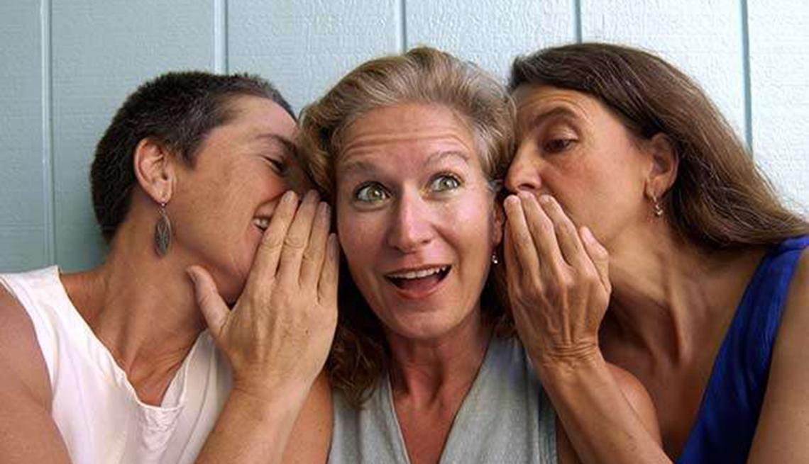 Tres mujeres comparten secretos