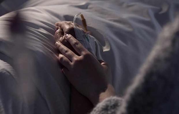 Persona enferma en un hospital - Derecho a morir