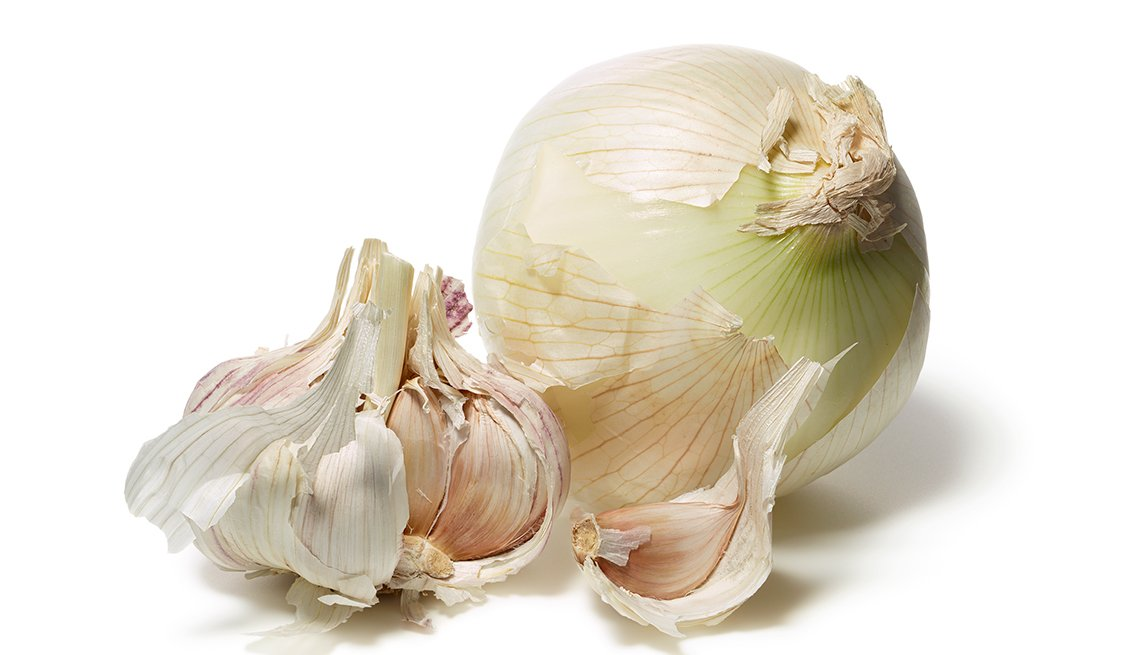 Garlic cloves, White Onion, Foods That Fight Cancer