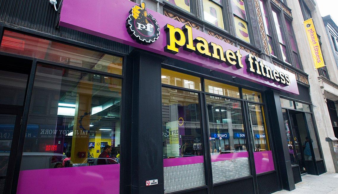 Planet Fitness, entrada