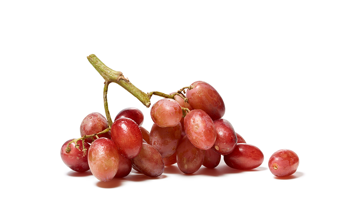 Red grapes on a stem, Foods That Fight Cancer