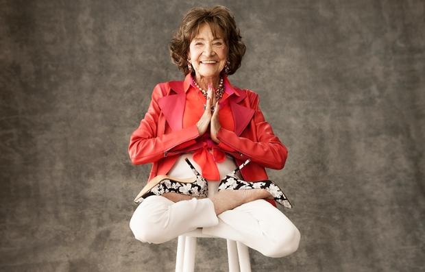 Tao Porchon-Lynch, la instructora de yoga de mayor edad en el mundo