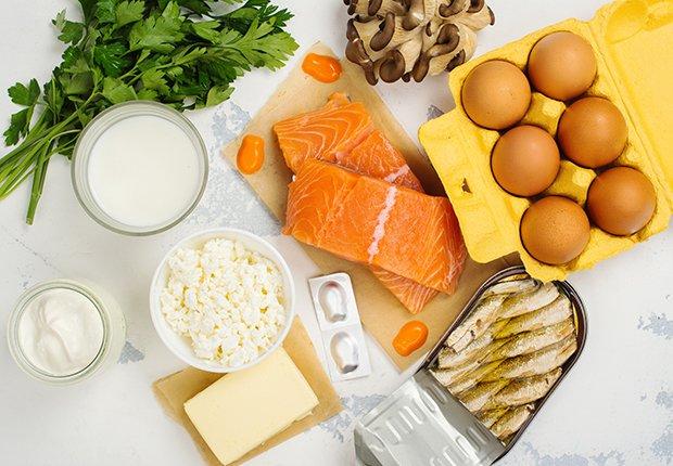 Alimentos ricos en vitamina D - Huevos, salmon, quesos