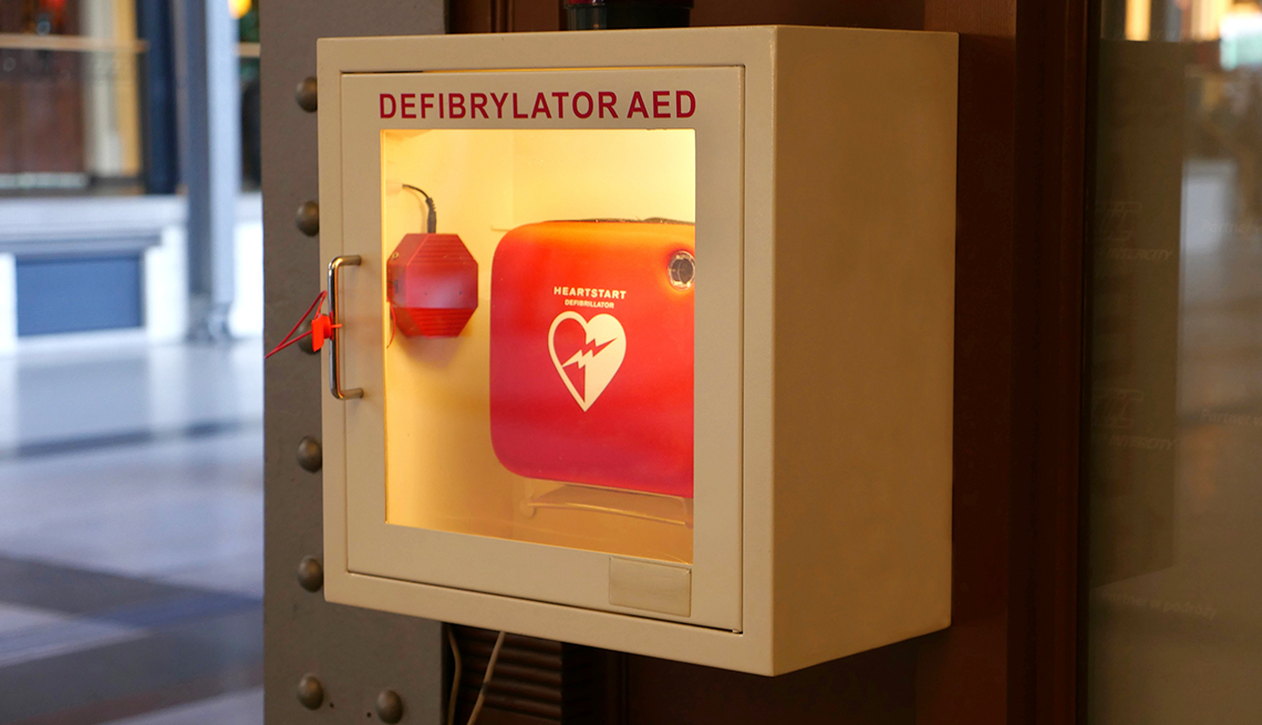 New York Life Aarp >> Bob Harper Credits an AED With Saving His Life