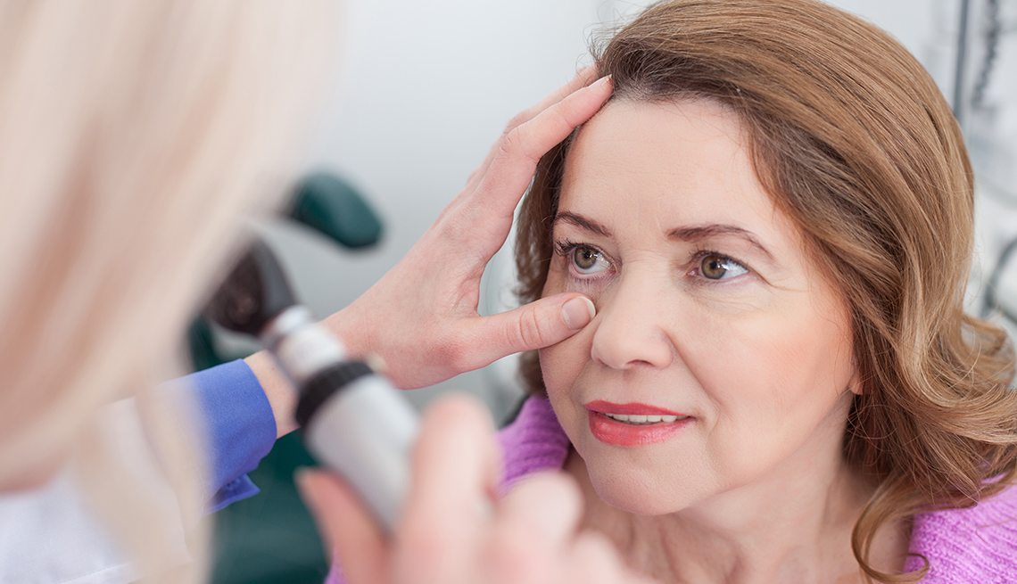 Doctors May Frequently Misdiagnose Serious Eye Disease in Older Adults