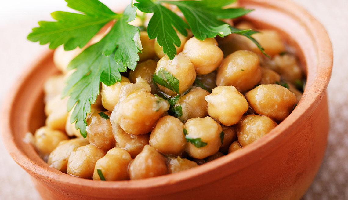 item 9 of Gallery image - chickpeas-white-foods-that-are-good-for-you-esp.jpg