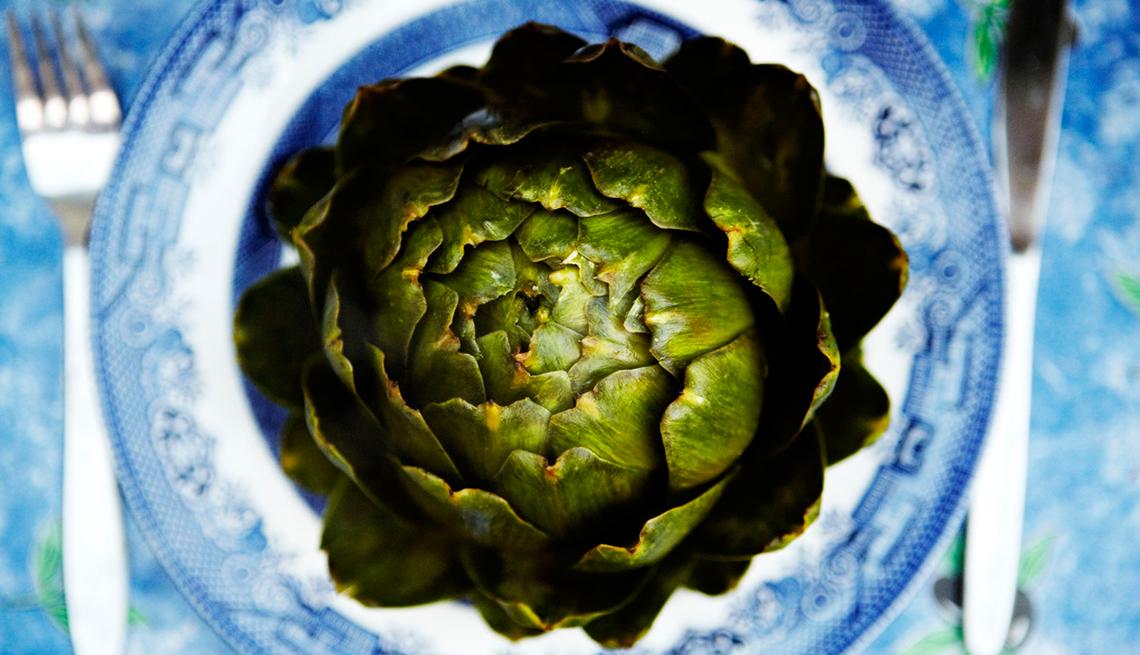 Alcachofa en un plato
