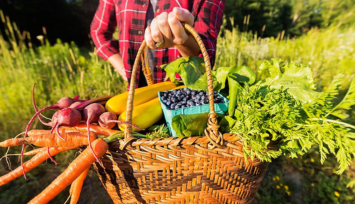 veggies, carrots, basket, hand, holding, food, that, improve, menopause