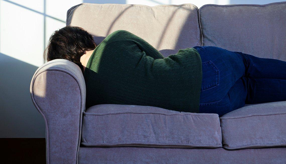 Mujer tomando una siesta