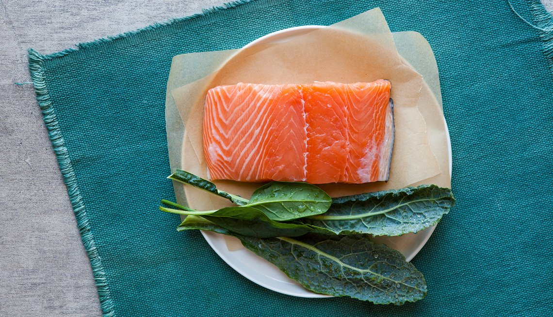 Salmon With Kale And Spinach